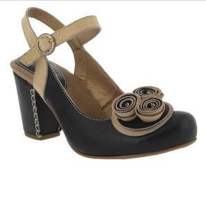L'Artiste by Spring Step Adorn Slingback Heels